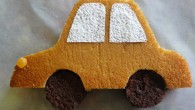 Une année de plus et toujours la même passion: les bagnoles! Alors, pour son anniversaire,ce gâteau en forme de voiture a eu un vif succès.   Gâteau au citron...